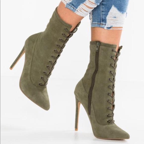 b9c0c3c1cc8 New Steve Madden Satisfied Lace Up Heeled Booties